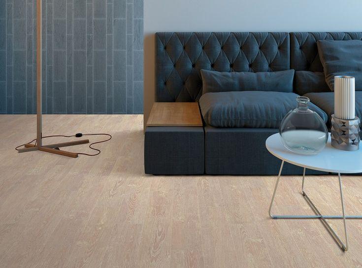 Korkboden modern holzoptik wohnzimmer sofa beistelltisch cork interior floor