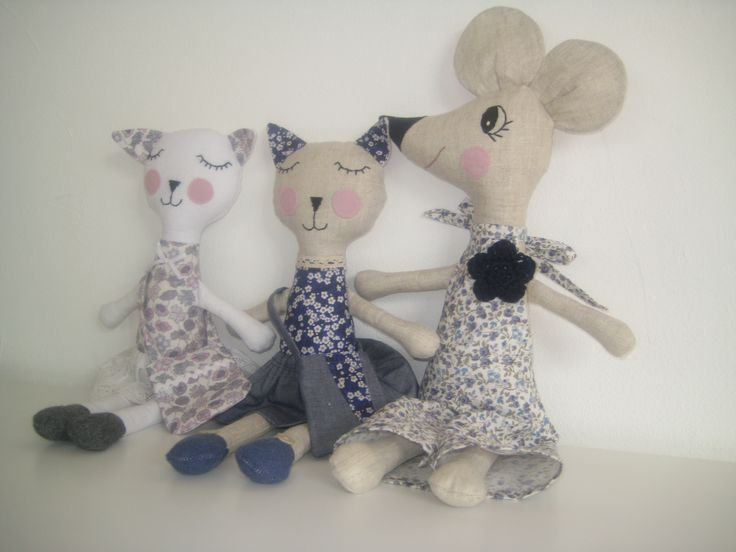 softies cat & mouse, made of linen and cotton, handmade, with Liberty prints and tiny flowers