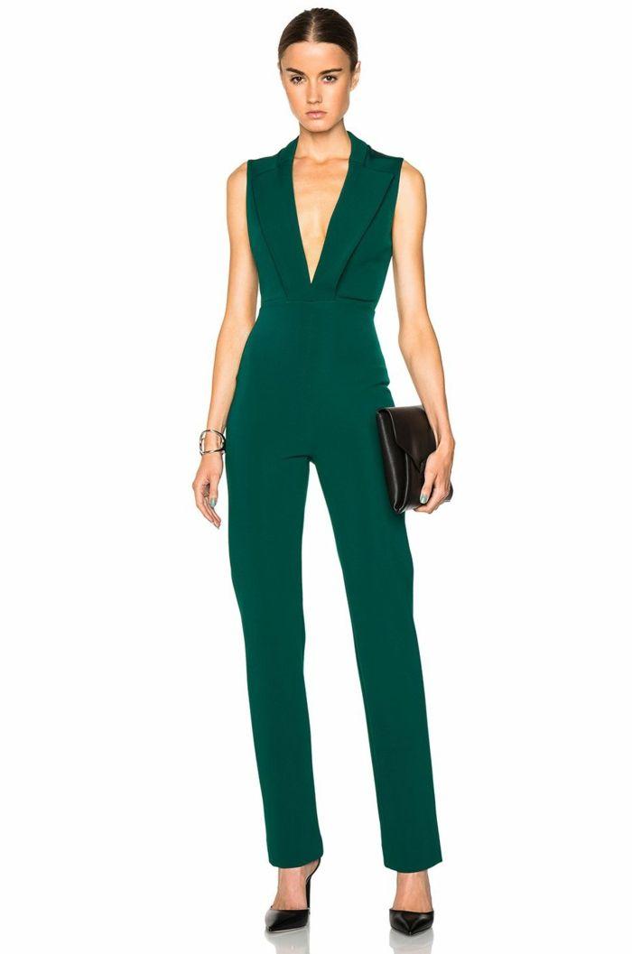 00b5d35125e los mejores diseños de monos de vestir para bodas, mono color verde oscuro,  pelo recogido en coleta