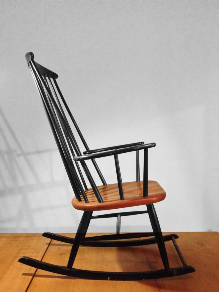 Rocking Chair style Tapiovaara (années 50-60) par Aufuretamesure sur Etsy https://www.etsy.com/fr/listing/264824894/rocking-chair-style-tapiovaara-annees-50