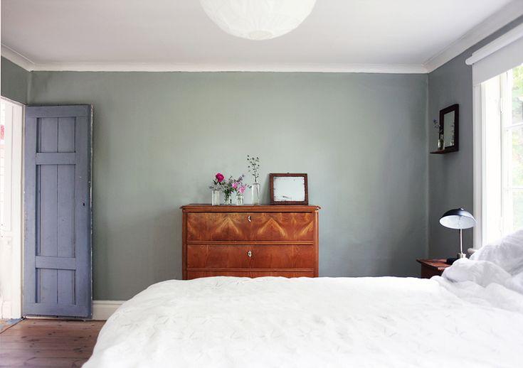 inredning, torp, Gotland, summerhouse, interior, bedroom byrå | Emmas Vintage