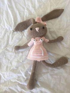 Haaklinks: Konijnelientje, #haken, gratis patroon, Nederlands, amigurumi, knuffel, speelgoed, Pasen, konijn, haas, haakpatroon