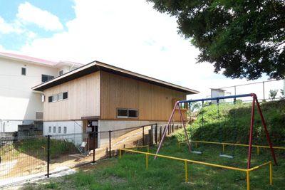 BOX-S|傾斜地に建つ|家庭菜園と土間|平屋|和モダン住宅