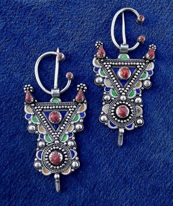 Superbe Paire de Fibule berbère - bijoux kabyle (Algérie) argent et corail –