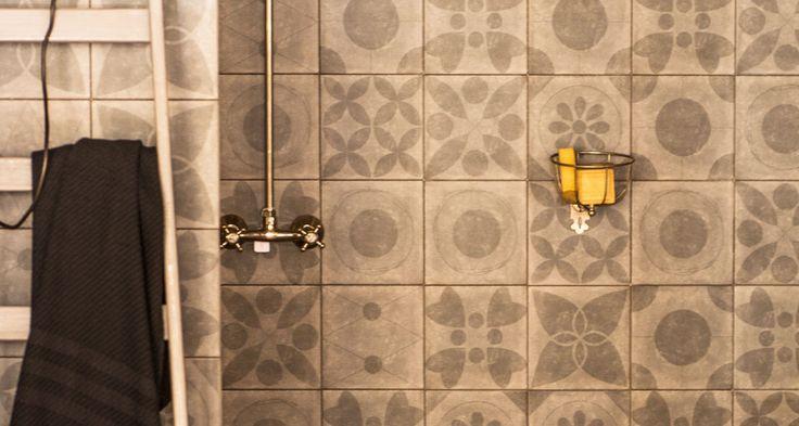 De Neo Ambre serie in 20x20 cm van vtwonen. Geschikt voor wand en vloer. Ook bij Tegelhuys Wijhe.