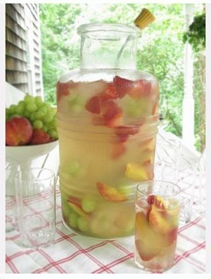 moscato sangria   ... bottle of moscato, 3 cans of Fresca, and fresh fruit...PRESTO! sangria
