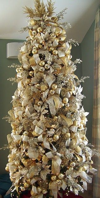 Gold Ivory Christmas Tree Doing This In My Master Bedroom On A 7 5ft Thin Width Vintage Inspired Decorating Pinterest