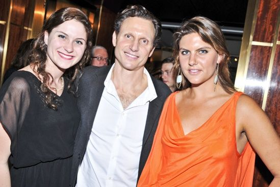 tony goldwyn with his two daughters tess amp anna tony