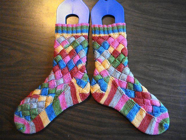 Ravelry: Nessa Socks pattern by Claire Ellen