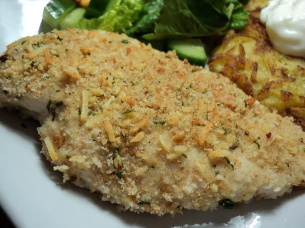 Low Fat Baked Chicken Breast Recipes Let's look into some recipes now that are sure to have you drooling over, where family and friends can join in on the healthy dinner/lunch. These low-calorie meals serve as a great way to indulge, without quite having to worry about your waistline and health.