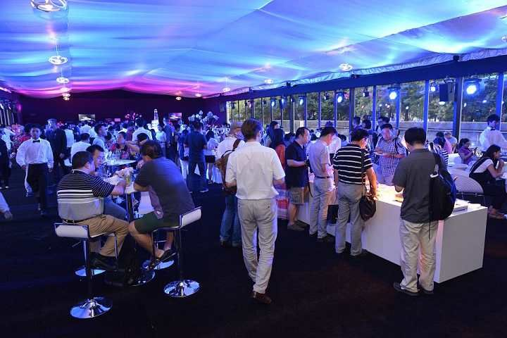 15*45 Flat Roof White Tent. A solid choice for temporary event like conference,catering,opening party  or new product annoucement .