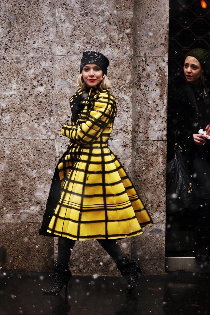 Street Style en Milan Fashion Week © Coke Bartrina. Stripes in street style.