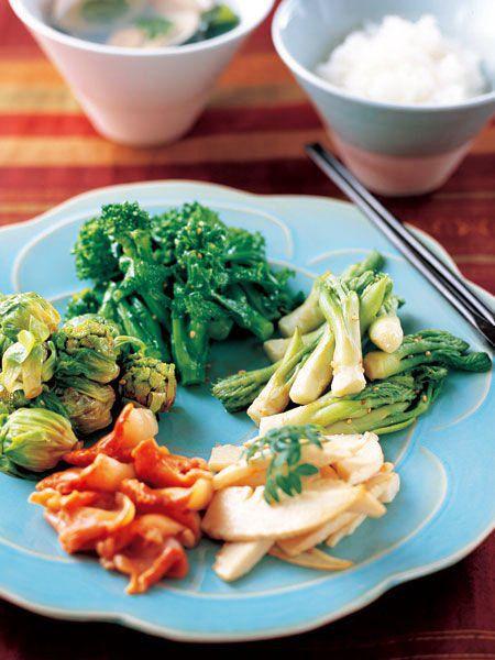 季節の野菜のナムルを盛り合わせ、好みでごはんと混ぜて|『ELLE a table』はおしゃれで簡単なレシピが満載!