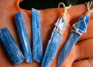 *DESPERTAR HOLÍSTICO*: Cianita Azul - A Espada do Arcanjo Miguel