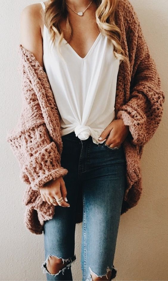 Gorgeous casual fall outfit that has everything. Ripped jeans, white tee and chunky cardigan!