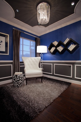 Sittting room - Love the royal blue / charcoal grey / white color scheme!