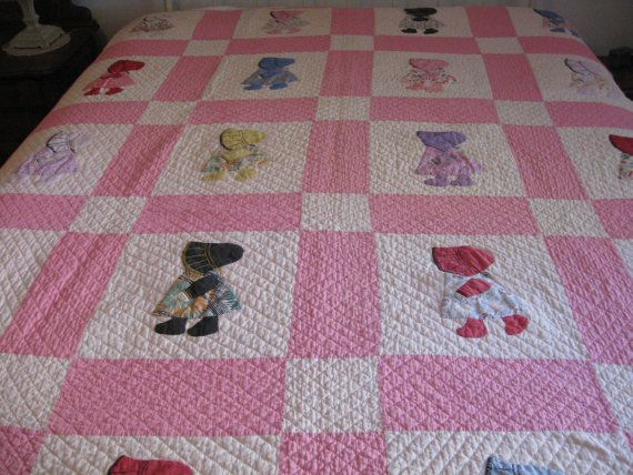 Pink Sunbonnet Sue Quilt, Vintage 1950's, Very Nice Condition, Girl Bedspread or Blanket