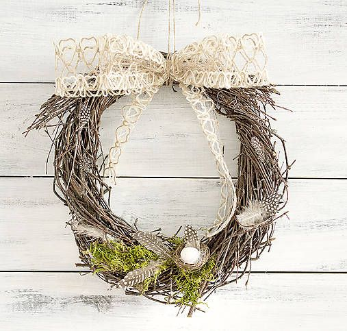 Natur Easter wreath, nest, moss, feathers, twigs  http://www.sashe.sk/Pipistrela/detail/prirodny-velkonocny-veniec