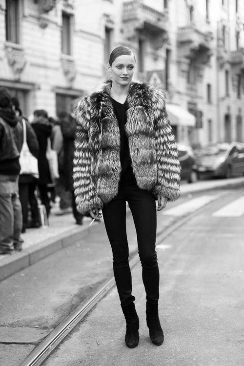 Karmen Pedaru - Street Style