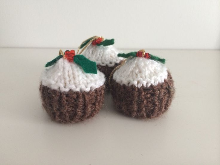 Knitting Pattern For A Christmas Pudding : 17 Best images about At least I can knit lol on Pinterest Yarns, Ravelry an...