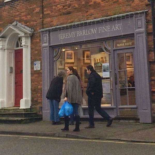 From Berkshire to Buckingham : Kate Shopping in Holt, Norfolk/William Heading to China & Japan