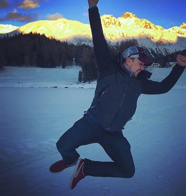 Fun walks around St. Moritz Lake with @robanstey85 and @gabrielleducomble . . . #stmoritz#switzerland#jump#swingsinger#dance#sing#swing#tour#boysontour#london#sanmoritz#sanktmoritz#laugh#smile#fun#ice#snow#mountains#landscape#beautiful#blueskies#snowy