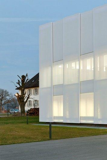 Sedus Stoll AG, Dogern - Fassade aus Silikon-Glas - Temme Obermeier   Textilfassaden