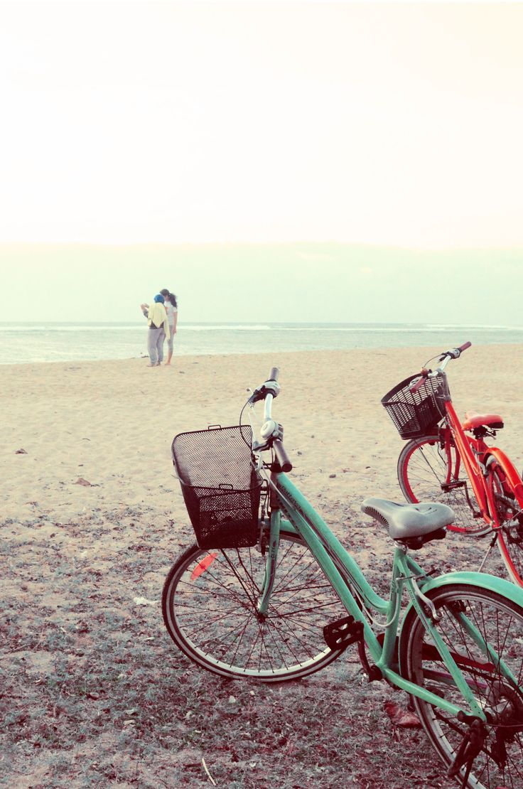 Renting a bike at Sanur Beach to catch the sunrise