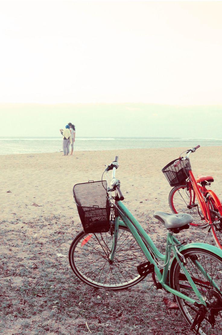 Renting a bike at Sanur Beach to catch the sunrise