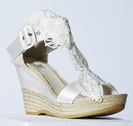 We love… la colección 2012 de zapatos para novias de YolanCris #weddingshoes #bridalshoes