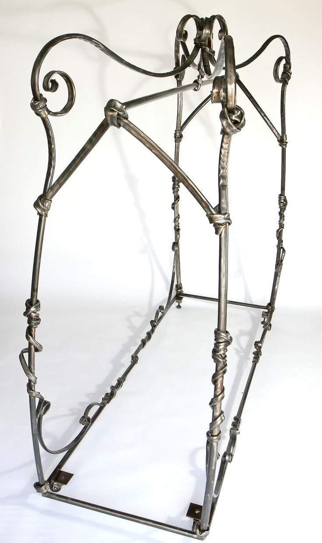 Anadora Lupo metal sculpture