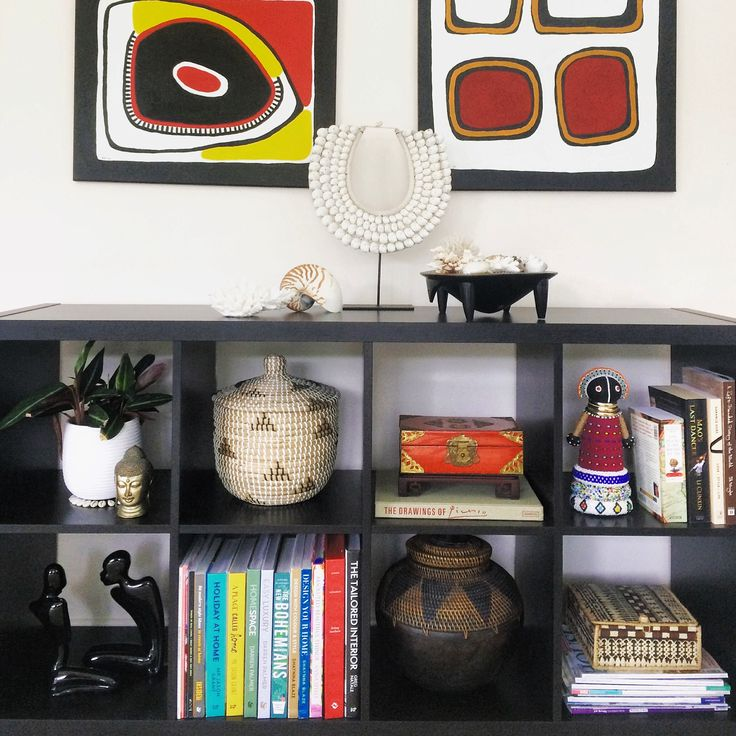 Here is some inspiration for your shelves by displaying your books and some overseas collectables. Bookcase is from @ikea_australia - Styled & Photographed by HHInteriors.