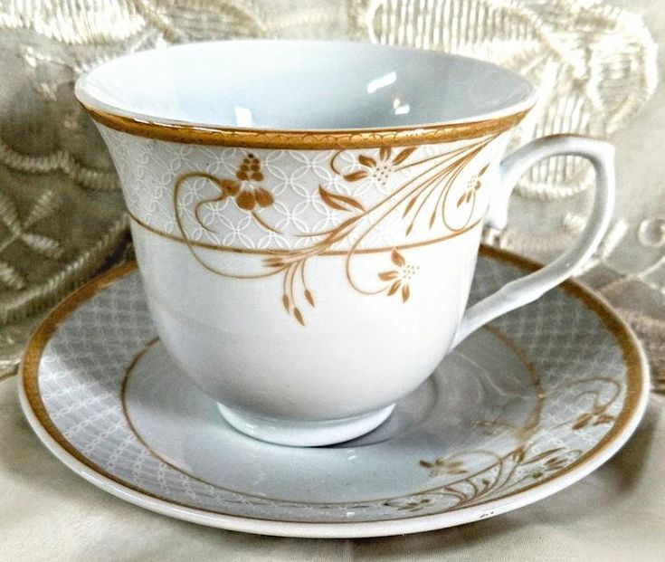 Rosalia Wholesale Full Size Porcelain Tea Cups and Saucers has lovely Gold Floral Swirls patterns on both teacup and saucer. Perfect for...