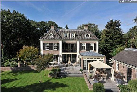 Impressive villa from 2003 designed in old Dutch style. Bosch en Duin, Netherlands