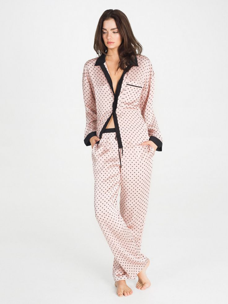 Avery is a modern take on a bedtime classic. Made from sumptuous silk and tailored to a woman's body, this chic two piece is not your granddad's pajamas. Avery is like the perfect cocktail - a classic