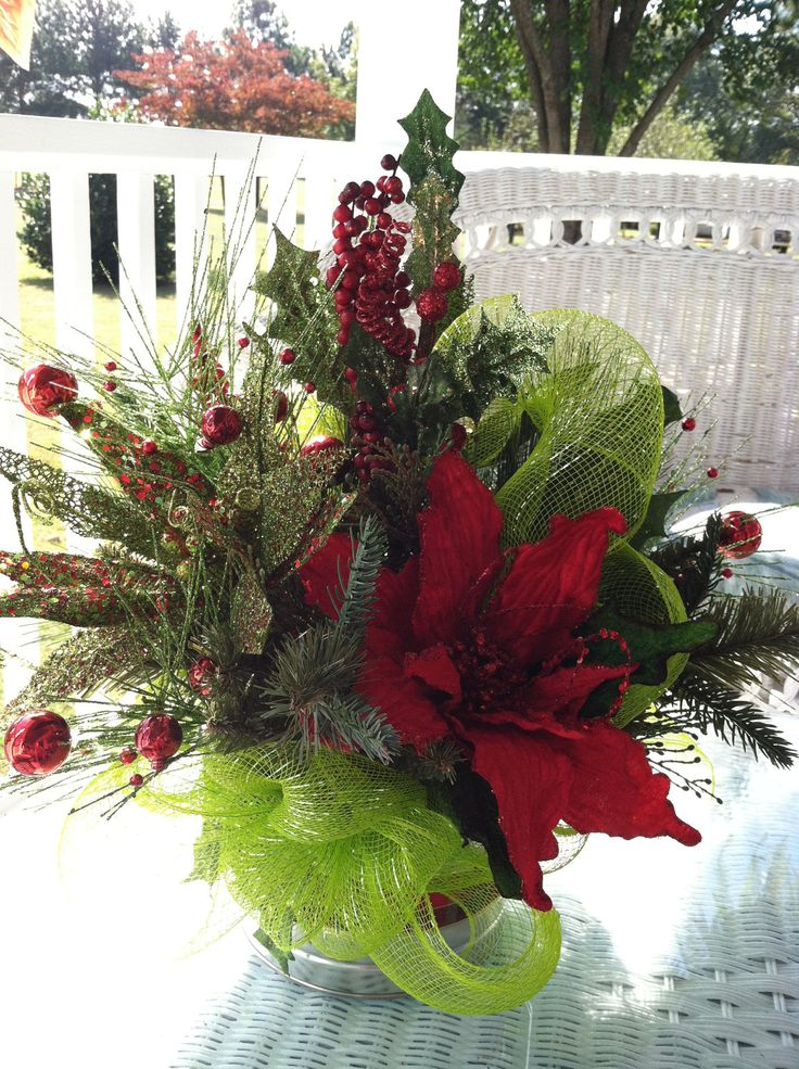 285 best christmas flower arrangements 2 images on for Poinsettia arrangements