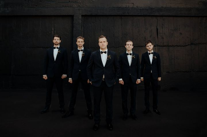 When your groomsmen have your back  - www.chasewild.com
