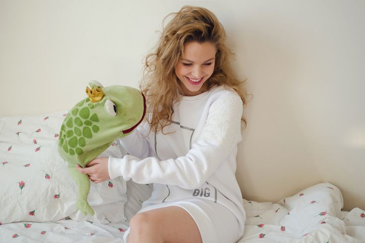 Lana Dream Big Sweatshirt from Pink Sugar line S/S 2015