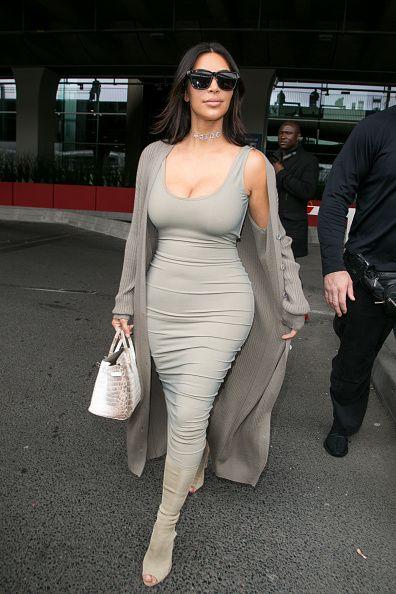 Sexy, curvilínea e cool: os 40 melhores looks de Kim Kardashian nas últimas temporadas - Vogue | News