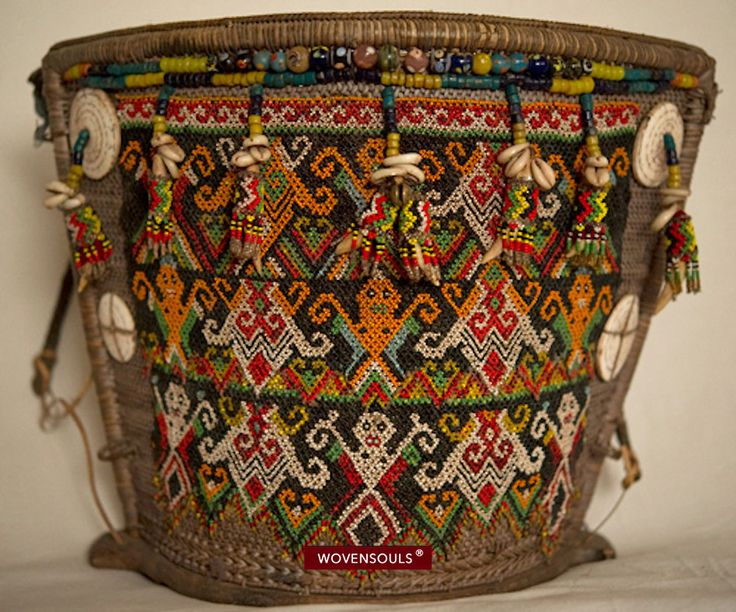 Antique Dayak Baby Carrier from Kalimantan - The WOVENSOULS collection / Jaina Mishra