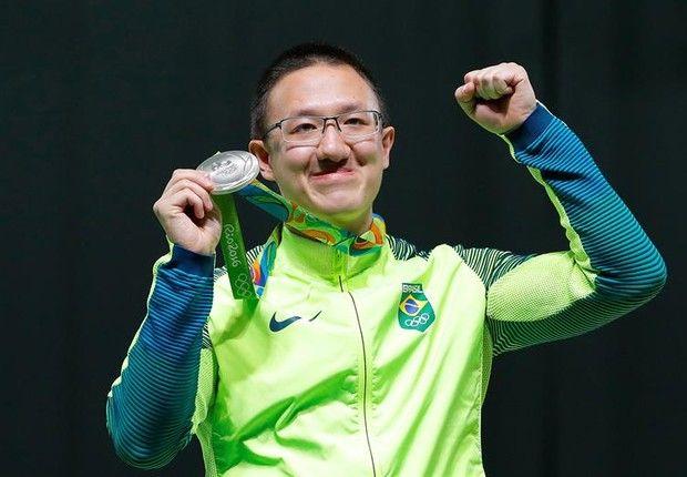FELIPE WU PRIMEIRA MEDALHA PARA O BRASIL - PRATA http://epocanegocios.globo.com/Olimpiada/noticia/2016/08/felipe-wu-vence-prata-no-tiro-esportivo-e-da-primeira-medalha-ao-brasil.html
