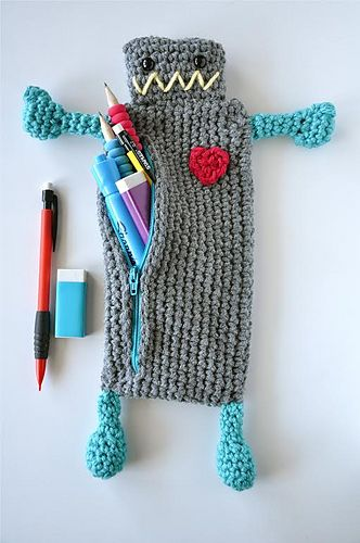 Ravelry: Robot Pencil Case pattern by Sincerely Pam