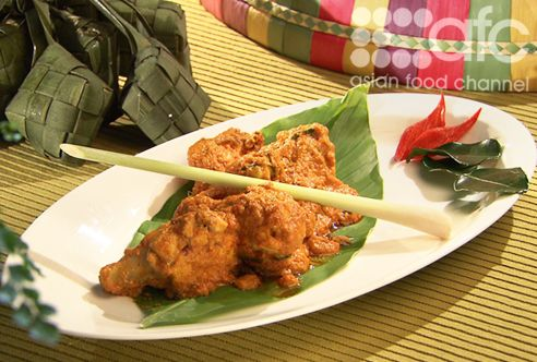Chicken with Coconut Milk (Rendang Ayam Minang Kabau)