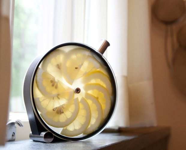 The Porthole is a simple, beautiful infusion vessel designed by Martin Kastner