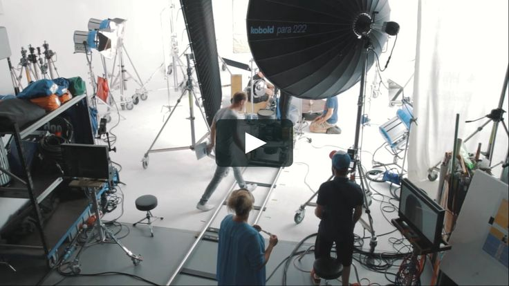 short video as an opportunity to gain insight of a beauty advertising film shoot
