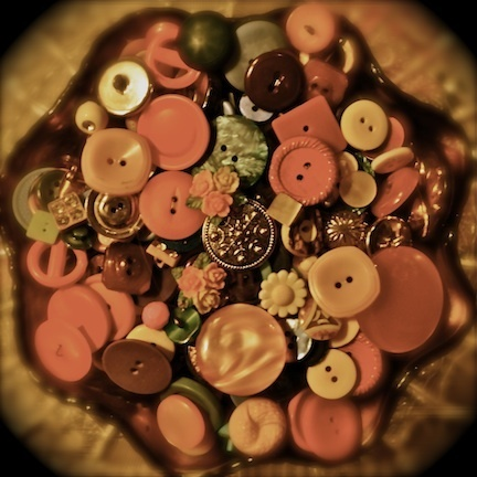 brown and pink buttons