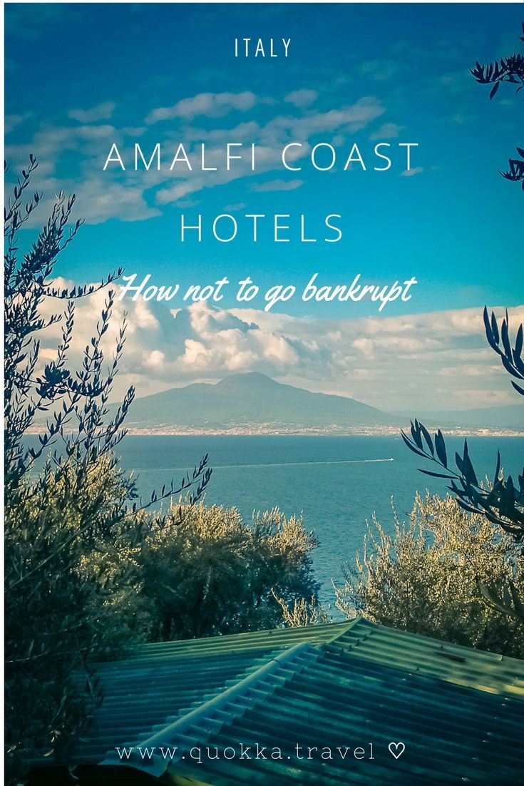 Our mission was to enjoy the romantic Amalfi Coast in Italy to the fullest without going bankrupt. Amalfi Coast hotels could cost you a pretty penny, but there is a range of affordable hotels. In this blog post, we share accommodation tips and our favourite Amalfi hotels.