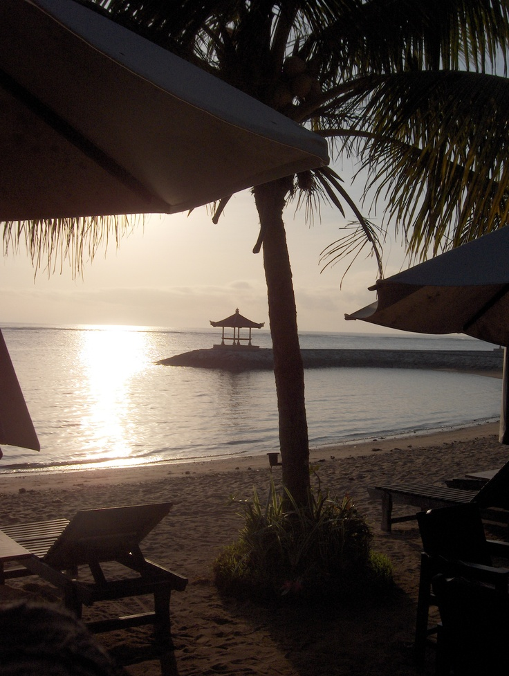 On my morning walks I enjoyed the beautiful sunrise at Sanur beach at Bali