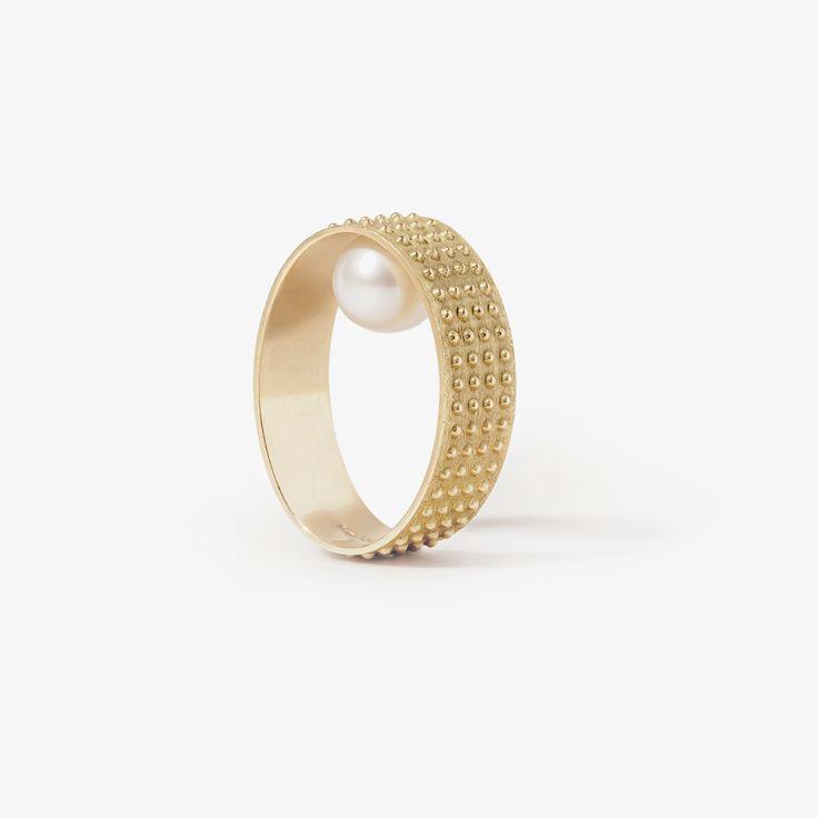 rings pearl