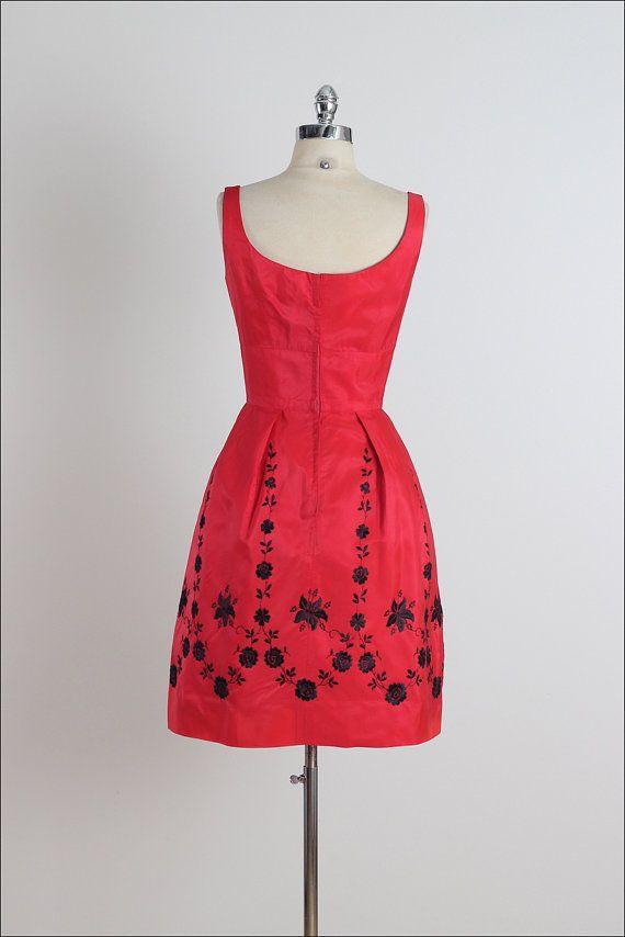 Holidazzle . vintage 1950s dress . vintage by millstreetvintage
